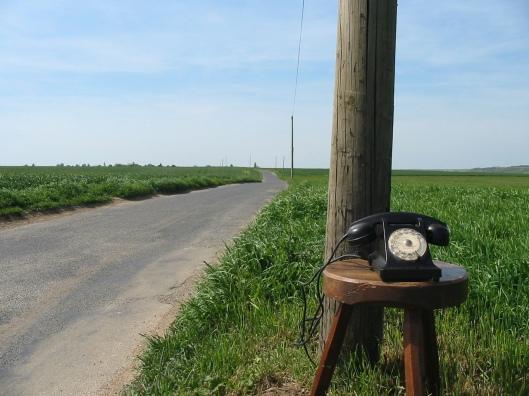 old-school-phone-1519364-1280x960